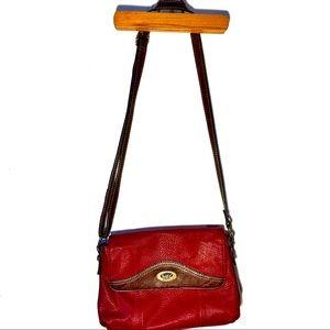 Born NWOT vegan 🌱 leather crossbody purse